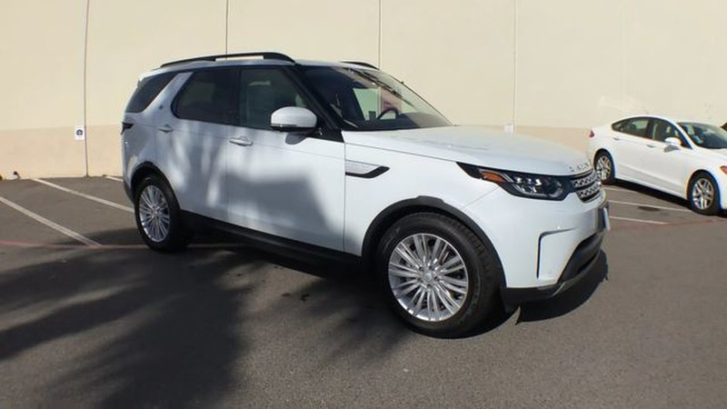 New 2018 Land Rover Discovery HSE Luxury