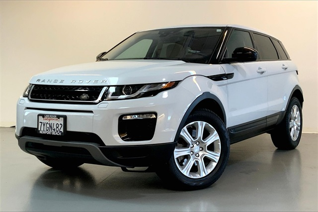 Pre-Owned 2017 Land Rover Range Rover Evoque SE